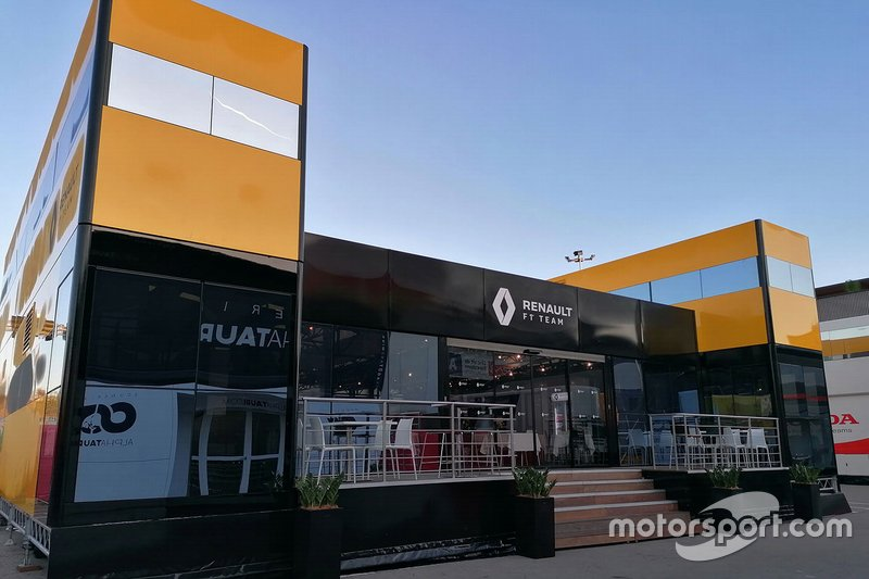 El motorhome de Renault F1 Team