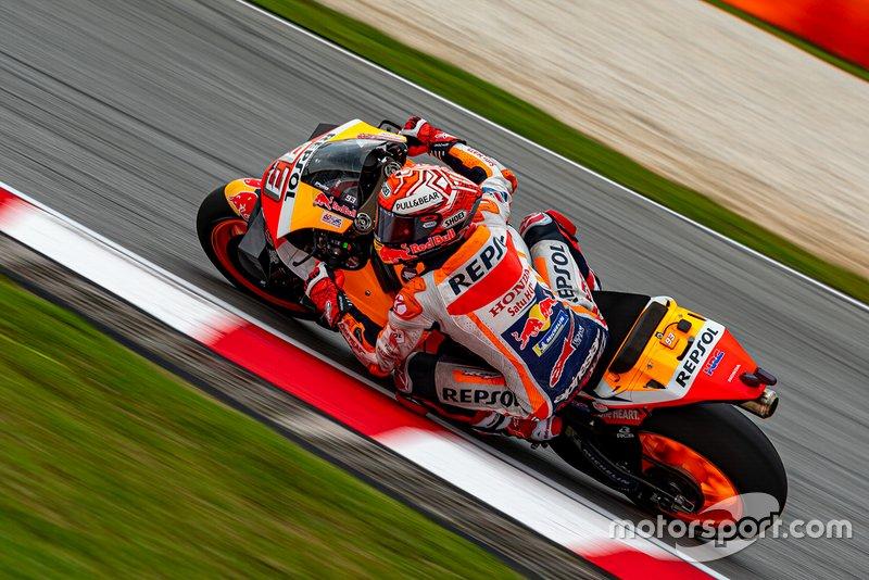 Новоиспеченный чемпион стартовал в Малайзии только 11-м. Так низко на решетке он не был с Гран При Италии 2015 года. Эти два случая – единственные в карьере Марка, когда он не попал в первую стартовую десятку