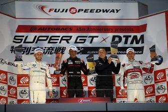 Podium: Race winner Narain Karthikeyan, Nakajima Racing Honda NSX-GT, second place Marco Wittmann, BMW Team RBM BMW M4 DTM, third place Loic Duval, Audi Sport Team Phoenix Audi RS5 DTM