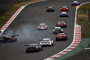 Alex Zanardi, BMW Team RBM BMW M4 DTM, Kenta Yamashita, Lexus Team LeMans Wako's Lexus LC500 spins