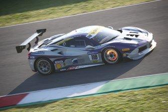 #118 Ferrari 488 Challenge, Rossocorsa: James Weiland