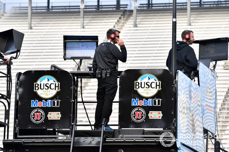Kevin Harvick, Stewart-Haas Racing, Ford Mustang Hunt Brothers Pizza Rodney Childers
