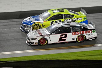 Ryan Blaney, Team Penske, Ford Mustang Menards / Peak, Brad Keselowski, Team Penske, Ford Mustang Discount Tire