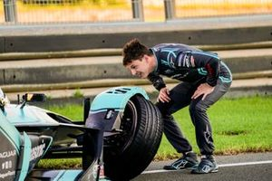 James Calado, Panasonic Jaguar Racing examines the damage on his Jaguar I-Type 4