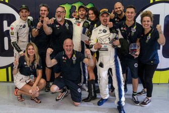 Valentino Rossi, Luca Marini, Alessio Salucci, con el equipo Monster VR46 Kessel