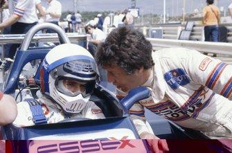 Elio de Angelis, Lotus 81-Ford Cosworth y su compañero de equipo Mario Andretti
