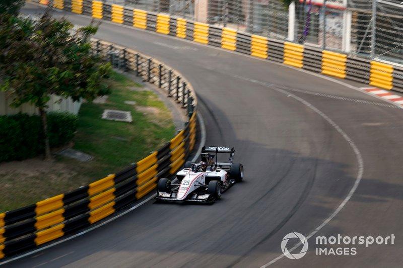 #25 Callum Ilott, Sauber Junior Team by Charouz
