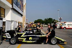 Dan Ticktum, Carlin Buzz Racing