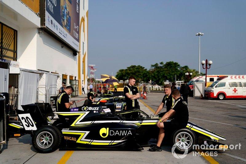 La voiture de Dan Ticktum, Carlin Buzz Racing