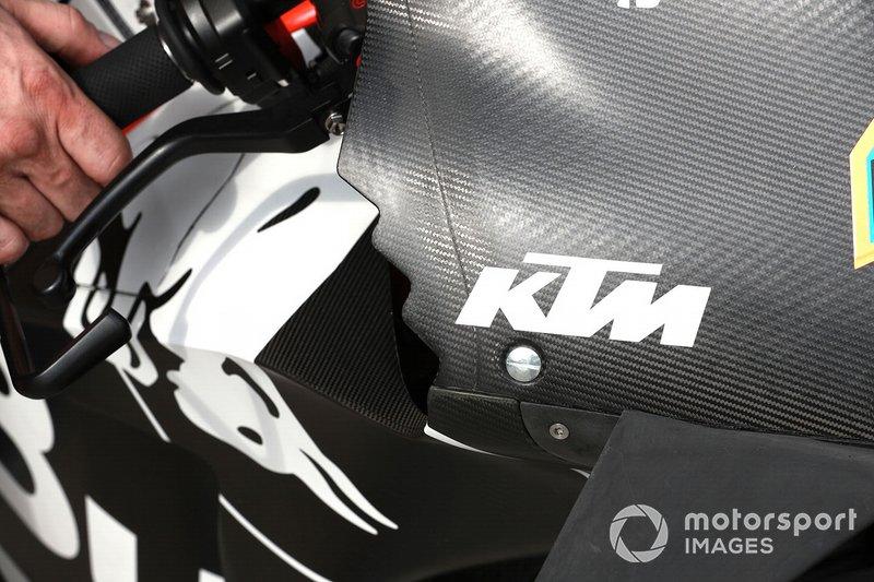Detalle del carenado de la moto del Red Bull KTM Factory Racing