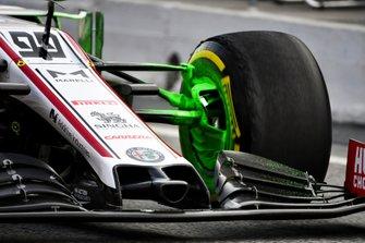 Vernice verde sull'auto di Antonio Giovinazzi, Alfa Romeo Racing C39