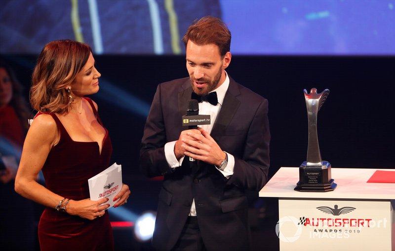 Natalie Pinkham, Sky TV, y Jean-Eric Vergne, ganador del premio Momento del Año