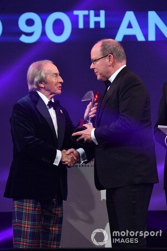 HSH Principe Albert II di Monaco, riceve il Gregor Grant Award per il Gran Premio di Monaco da Sir Jackie Stewart