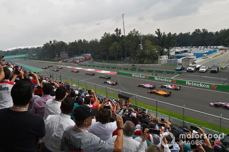 Fernando Alonso, McLaren MCL33 al inicio