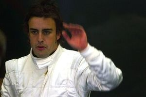 Fernando Alonso, thanks his engineers at McLaren