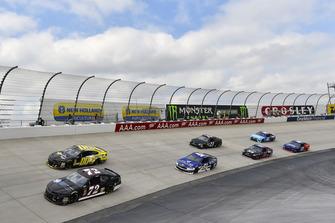 Cole Whitt, TriStar Motorsports, Chevrolet Camaro e Landon Cassill, StarCom Racing, Chevrolet Camaro StarCom Fiber