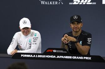 Valtteri Bottas, Mercedes AMG F1 and Lewis Hamilton, Mercedes AMG F1 in Press Conference