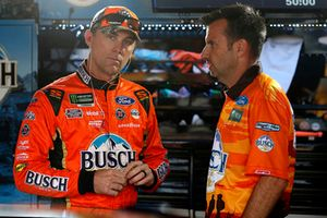 Kevin Harvick, Stewart-Haas Racing, Ford Fusion Busch Outdoors Rodney Childers