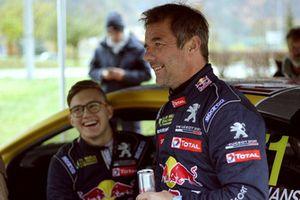Sébastien Loeb et Kevin Hansen montent l'Alpe d'Huez