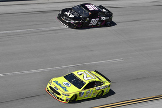 Paul Menard, Wood Brothers Racing, Ford Fusion Menards / Dutch Boy, Jeffrey Earnhardt, Gaunt Brothers Racing, Toyota Camry Xtreme Concepts / iK9