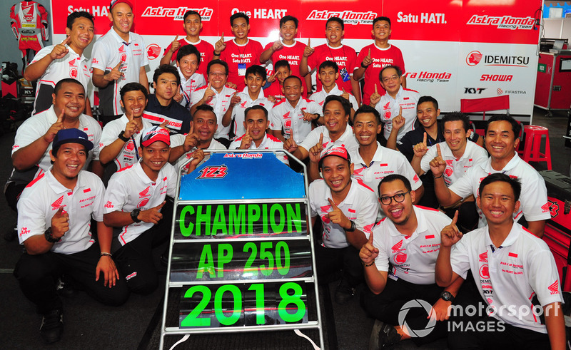 Astra Honda Racing Team Juara Tim dan Pembalap ARRC 2018 Kelas AP250