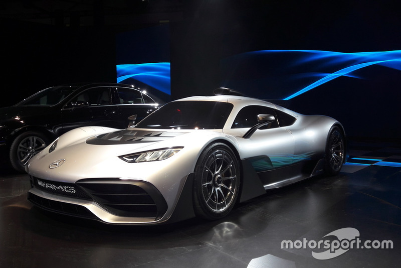 Mercedes AMG Project One - Hipercarro com motor de Fórmula 1