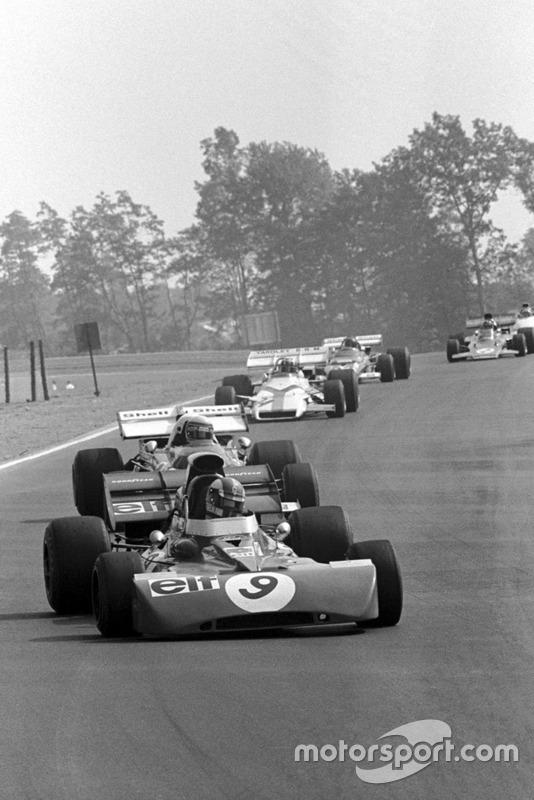 Francois Cevert, Tyrrell 002, devant Clay Regazzoni, Ferrari 312B2, et Jo Siffert, BRM P160