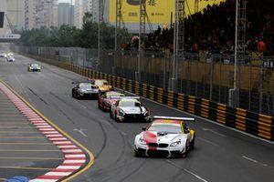 #42 BMW Team Schnitzer BMW M6 GT3: Augusto Farfus leads