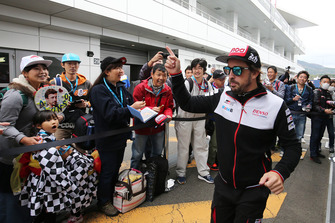 Fernando Alonso, Toyota Gazoo Racing with fans