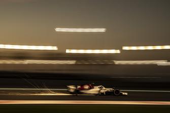 Marcus Ericsson, Sauber C37 saca chispas
