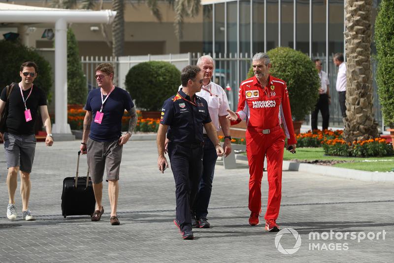 Керівник Red Bull Racing Крістіан Хорнер, керівник Ferrari Мауріціо Аррівабен