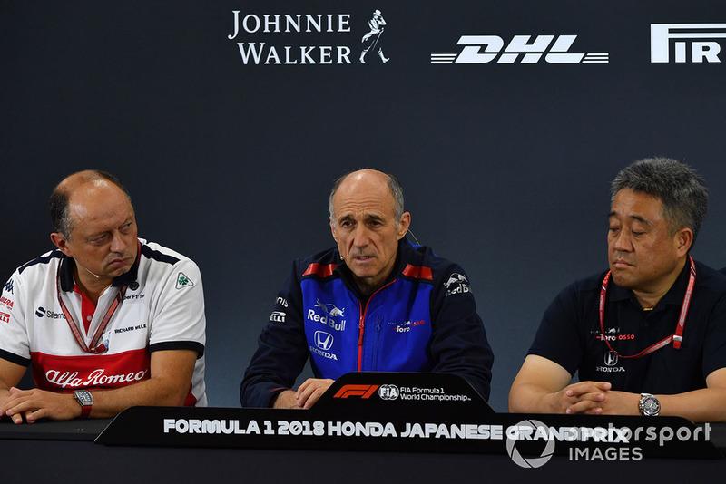 Frederic Vasseur, director de Sauber y Franz Tost, director de la Scuderia Toro Rosso y Toyoharu Tanabe, director técnico de Honda F1 en rueda de prensa