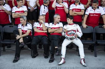 Xevi Pujolar, Sauber Jefe de Ingeniería de Pistas, Frederic Vasseur, Sauber, Director del Equipo, Beat Zehnder, Gerente de Sauber y Charles Leclerc, Sauber