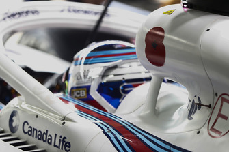 A poppy on the airbox of Sergey Sirotkin, Williams Racing