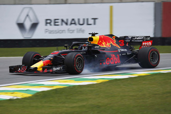 Daniel Ricciardo, Red Bull Racing RB14 locks up