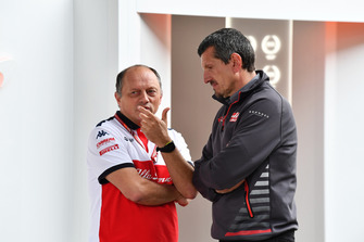 Frederic Vasseur, Sauber, Team Principal and Guenther Steiner, Haas F1 Team Principal