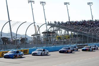 Ryan Blaney, Team Penske, Ford Fusion PPG, Brad Keselowski, Team Penske, Ford Fusion Miller Lite