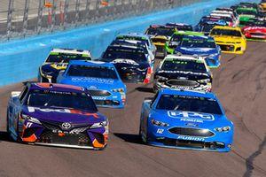 Denny Hamlin, Joe Gibbs Racing, Toyota Camry FedEx Ground and Ryan Blaney, Team Penske, Ford Fusion PPG