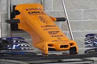 Detalle del alerón delantero del McLaren MCL33
