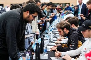 Andre Lotterer, DS TECHEETAH, Jean-Eric Vergne, DS TECHEETAH signe des autographes pour les fans
