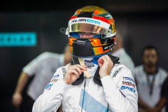 Stoffel Vandoorne, HWA Racelab in de garage