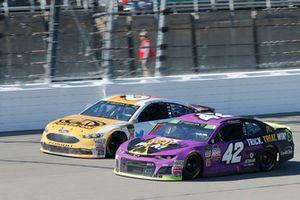Kyle Larson, Chip Ganassi Racing, Chevrolet Camaro McDonald's Trick. Treat. Win!, Trevor Bayne, Roush Fenway Racing, Ford Fusion AdvoCare Rehydrate