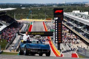Kevin Magnussen, Haas F1 Team, en el desfile