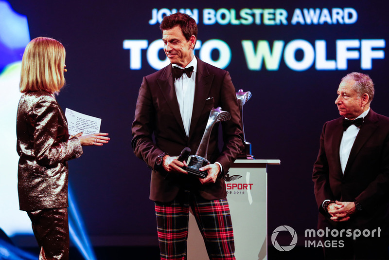 Toto Wolff recibe el Premio John Bolster.