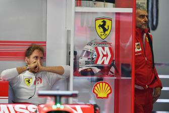 Sebastian Vettel, Ferrari and Maurizio Arrivabene, Ferrari Team Principal