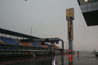Regen und Sturm am Losail International Circuit in Katar