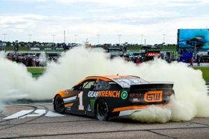 1. Kurt Busch, Chip Ganassi Racing, Chevrolet Camaro GEARWRENCH
