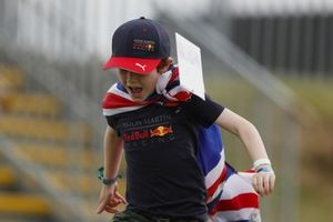 A young fan at the track