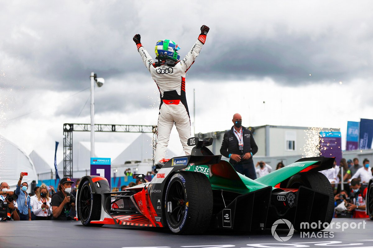 Ganador Lucas Di Grassi, Audi Sport ABT Schaeffler celebra en Parc Ferme