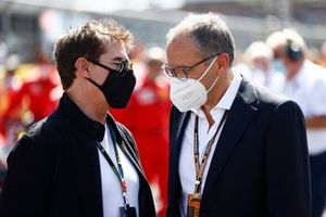 Tom Cruise et Stefano Domenicali, PDG, Formula 1, sur la grille